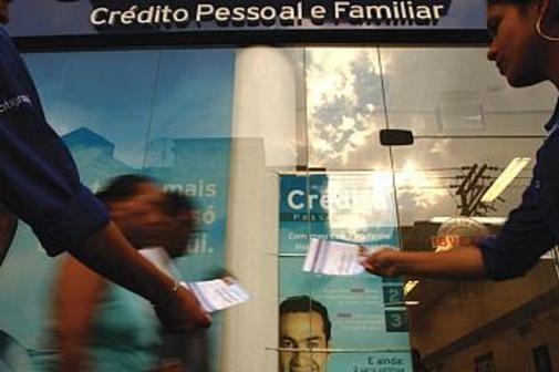 Busca-por-credito-cai-11-2-e-atinge-menor-nivel-desde-2008-diz-Serasa