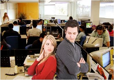 O-que-fazer-quando-o-a-ex-trabalha-na-mesa-ao-lado-televendas-cobranca