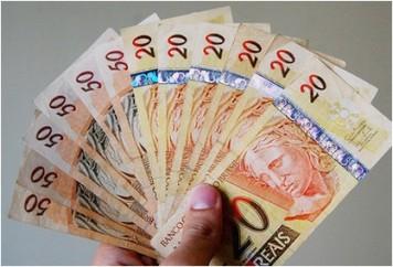 Bancos-reveem-a-oferta-de-credito-a-baixa-renda-televendas-cobranca
