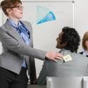 Por-que-mulheres-praticam-mais-bullying-no-trabalho-que-homens-televendas-cobranca