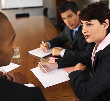 Processos-seletivos-para-emprego-ficam-mais-longos-e-tem-mais-etapas-televendas-cobranca
