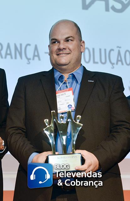 Blog-televendas-e-cobranca-e-cms-valorizam-melhores-do-ano-com-premio-best-performance-68