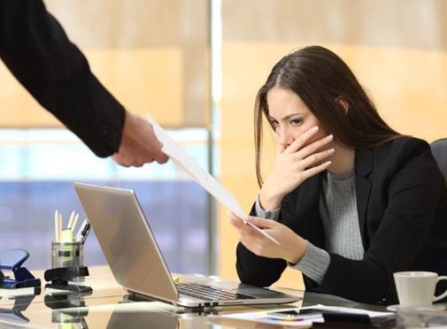 Funcionario-demitido-tem-direito-a-aviso-previo-televendas-cobranca