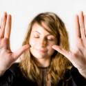 Intimidade-pode-custar-caro-na-hora-de-emprestar-nome-televendas-cobranca-oficial