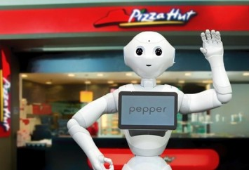 Pizza-hut-utilizara-o-robo-pepper-como-atendente-televendas-cobranca