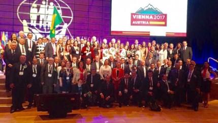 Colaboradores-do-sicredi-sao-premiados-na-conferencia-mundial-das-cooperativas-de-credito-televendas-cobranca