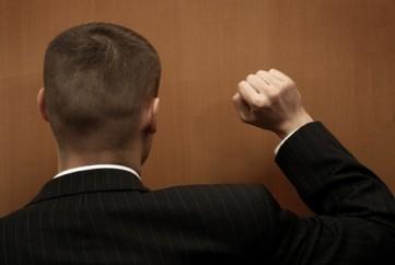 7-passos-para-deixar-de-ser-um-vendedor-porta-a-porta-irritante-televendas-cobranca