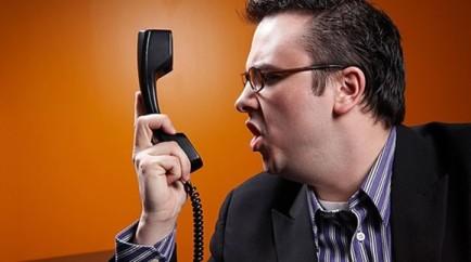 Call-centers-preveem-quando-atendentes-serao-xingados-televendas-cobranca