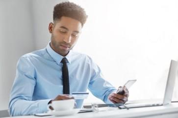 O-que-fazer-quando-o-devedor-nao-atende-ao-telefone-mas-negocia-via-whatsapp-televendas-cobranca