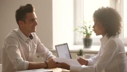 Falar-pessoalmente-e-34-vezes-mais-eficiente-do-que-enviar-um-e-mail-diz-estudo-televendas-cobranca-1