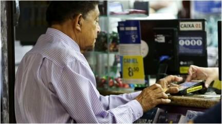 Credito-consignado-para-aposentados-veja-dicas-para-evitar-problemas-televendas-cobranca-1